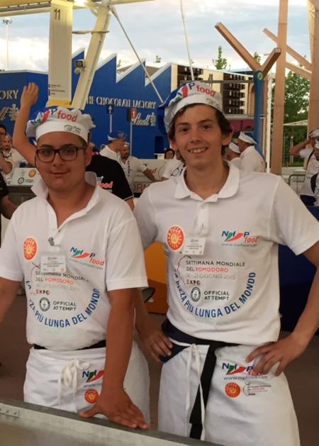 Ambitionierte Pizzabäcker: Werden sie die längste Pizza der Welt backen? Auch das ist die Expo...