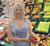 "Viktoria pflückt die letzten Beeren dieses ""Sommers"""